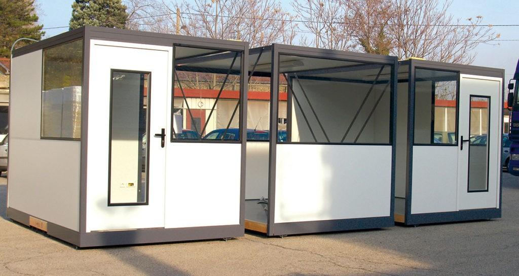 Cabine d'atelier palettisable composée de cloisons modulaires